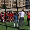 Immortalisation des équipes après un match amical, City Hall, Toronto, Canada_DSC0563co_72_pix+nom