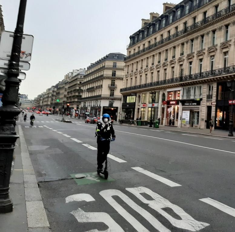 Choses vues Yann-avenue-de-lope%CC%81ra