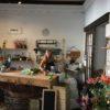 A l'Avenue William-Fraisse, l'artisane-fleuriste Maude Perret en sa boutique Florilège.